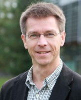 Dr.  Markus Hille