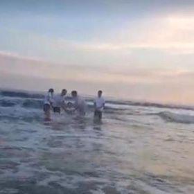 Taufe im Mittelmeer